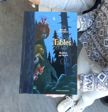 """""""Un livre pour les vacances"""" distribué aux élèves de CM2 de l'école primaire Lucie-Aubrac."""