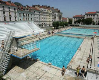 """Grenoble renforce les conditions d'accès aux piscines Jean-Bron et Les Dauphins après des """"incivilités répétées"""""""
