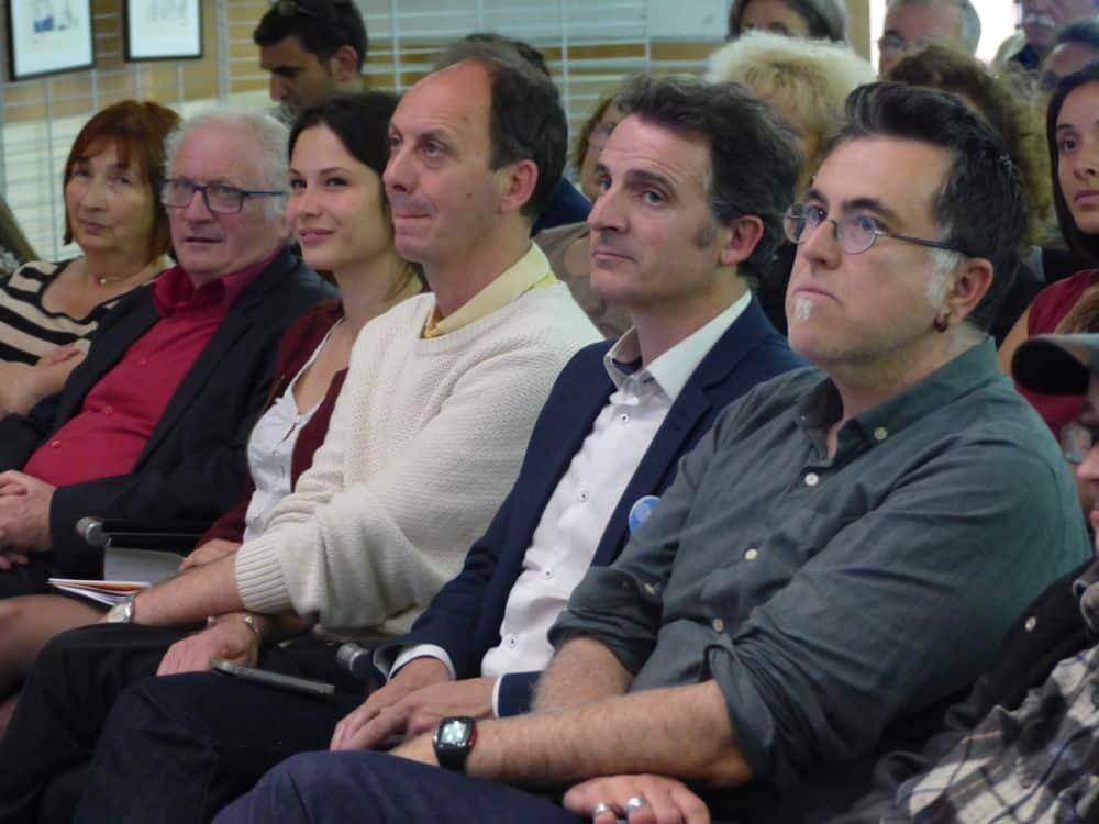 Présents lors de la soirée du 22 mai, Alain Denoyelle, adjoint de Grenoble en charge de l'Action sociale, le maire de Grenoble Éric Piolle et son conseiller David Laumet, © Florent Mathieu - Place Gre'net