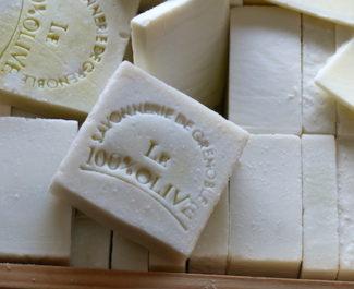 Savon 100% Olive Savonnerie de Grenoble. © Nina Soudre - Placegrenet.fr