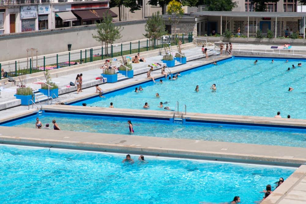 """« Incivilités répétées » à la piscine Jean-Bron, ainsi que dans celle des Dauphins. Celles-ci ont été fermées dimanche 27 juin pour cause """"d'incivilités répétées"""" © Thierry Chenu"""