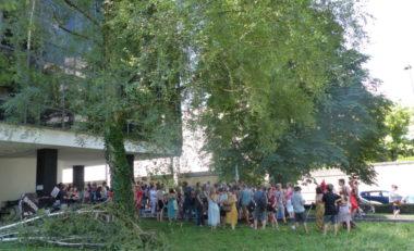 Assemblée Générale du personnel enseignant en grève, 4 juillet © Nina Soudre - Placegrenet.fr