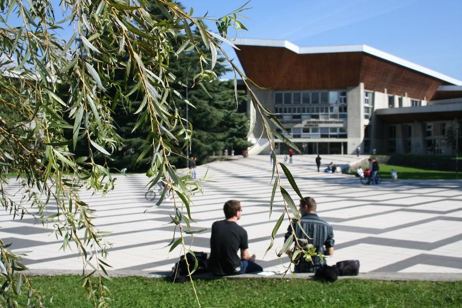Le 12 juillet dernier, l'UGA, la ComUE UGA, Grenoble INP, l'Ensag et Sciences Po Grenoble ont approuvé les statuts de l'établissement public expérimental.Bibliothèque Joseph Fourier (anciennement nommée bibliothèque des sciences) de l'UGA. © ComUE