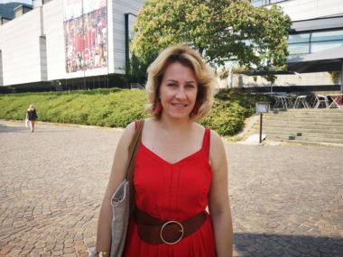 Émilie Chalas, députée de la 3e circonscription et candidate aux municipales de Grenoble a rencontré un collectif de gilets jaunes. © Joël Kermabon - Place Gre'net