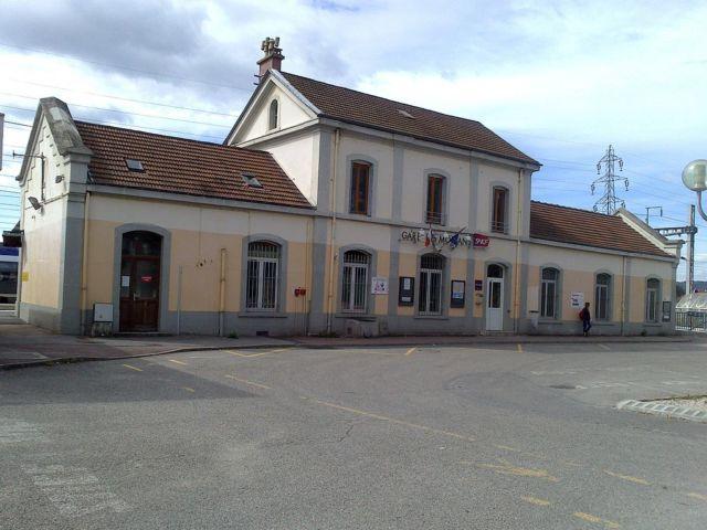 Les guichets de la gare de Moirans ont fermé le 1er juin 2019. DR