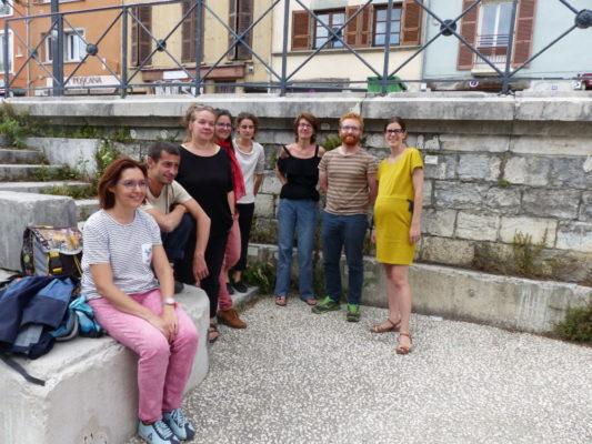 Membres de l'association Gentiana et, à droite, Lucille Lheureux, adjointe aux espaces verts et à la Nature en ville © Nina Soudre - Placegrenet.fr