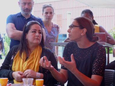 Lætitia Rabih et Hakima Necib lors de la présentation du collectif transpartisan Laï'Cité : des élu.es et militant.es engagé.es pour la promotion de l'universalisme dans les politiques publiques, notamment en ce qui concerne le féminisme. © Paul Turenne - Placegrenet.fr