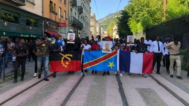 Marche blanche en hommage à Olivier Manbakasa à Grenoble samedi 24 août. © Stéphane Gemmani - Facebook