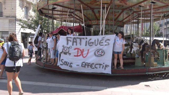Opération de sensibilisation du public lors de la mobilisation du 2 juillet. © Joël Kermabon - Place Gre'net