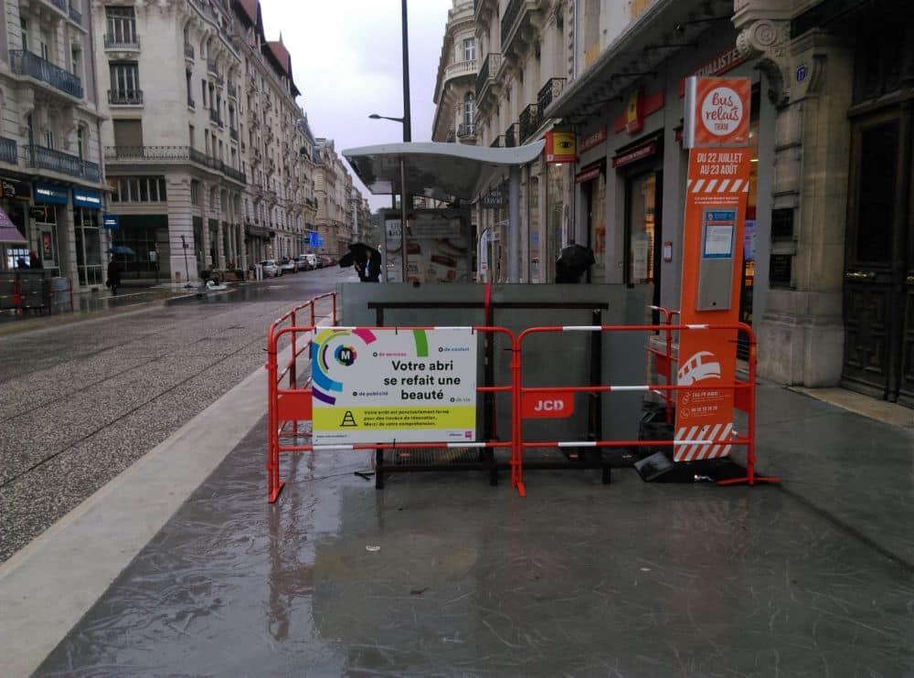 Les arrêts de bus Victor-Hugo sont également concernés par les travaux. © Florent Mathieu - Place Gre'net