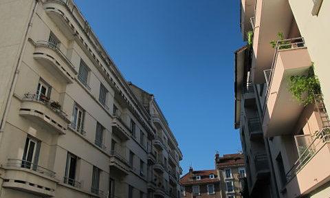 Habitations en centre ville de Grenoble oût 2019 © Séverine Cattiaux - Place Gre'net