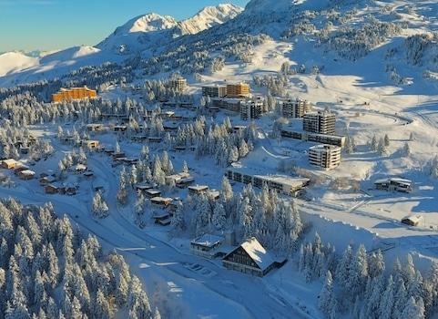 Fuite en avant financière pour la station de ski de Chamrousse en Isère. Epinglée par lles magistrats financiers, la régie jongle avec ses comptes.