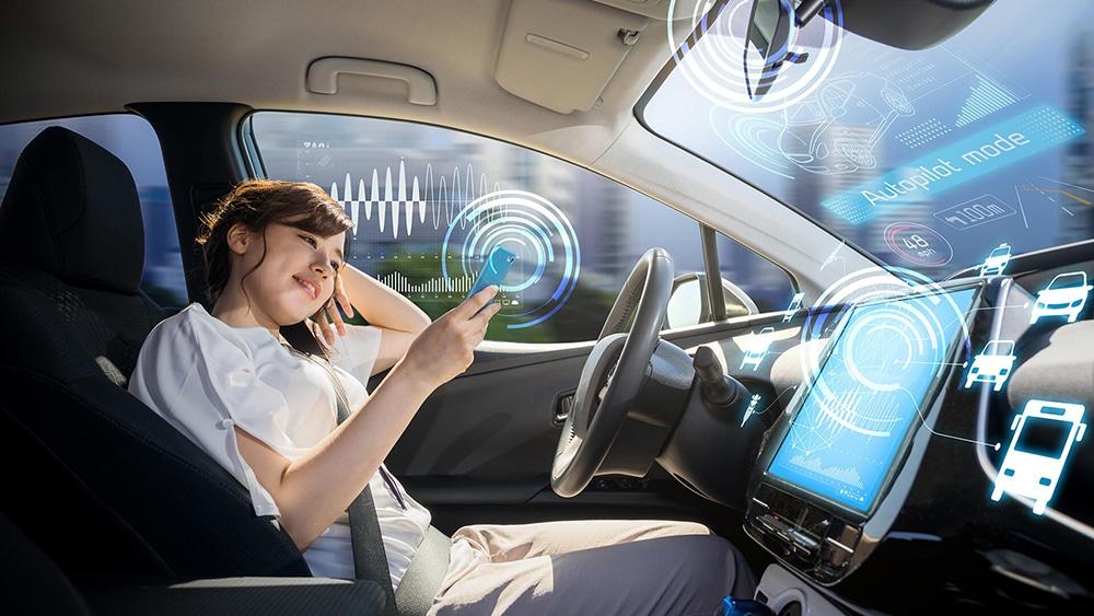 La start-up qui va enclencher la phase d'industrialisation de sa technologie d'amplification du toucher, recrute seize experts.© HAP2U