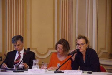 Victimes en Isère - Lionel Beffre et Éric Vaillant ont signé un nouveau schéma d'aide aux victimes en Isère mettant l'accent sur les victimes de violences conjugales.Isabelle Jahier-Deton, déléguée départementale aux droits des femmes et à l'égalité