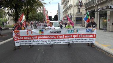 Plusieurs centaines de personnes ont manifesté ce mardi 24 septembre dans les rues de Grenoble, notamment contre le projet de réforme des retraites.© Joël Kermabon - Place Gre'net