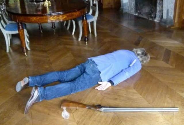 Contrairement aux apparences, le jeu d'enquête Meurtre au Château d'Anjou s'adresse bien à toute la famille ! © Département de l'Isère