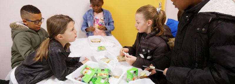 Déplacement du ministre Jean-Michel BLANQUER et Christelle DUBOS, pour annoncer le financement par l'état des petits déjeuners à l'école dans les territoires prioritaires, à l'École Jean Rostand à Pont Saint-Maxence (Oise), le mardi 23 avril 2019 - ©Philippe DEVERNAY.