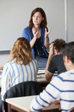 Professeure dans un lycée. © Académie de Grenoble