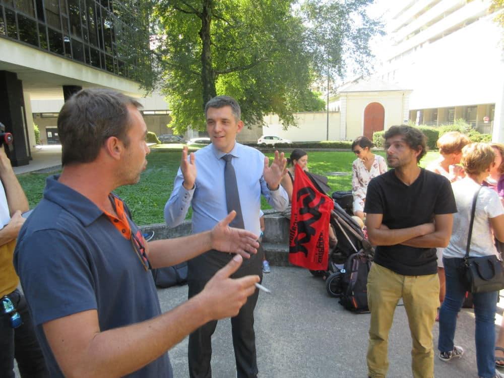 Aymeric Mess en plein échange avec Benjamin Moisset (à gauche) et Colas Perroud © Florent Mathieu - Place Gre'net