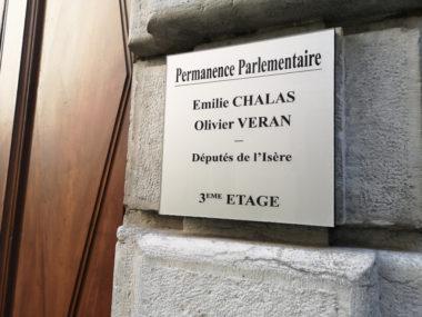 La permanence parlementaire des députés Chalas et Véran face au collectif © Joël Kermabon - Place Gre'net