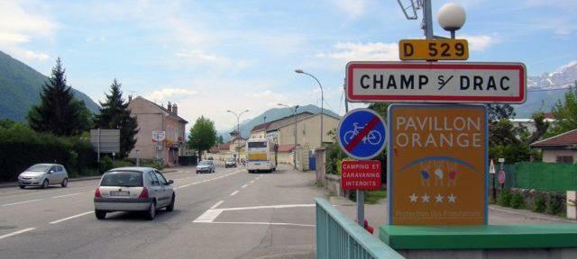 Le maire de Champ-sur-Drac pris à partie par l'opposante Muriel Riou sur fond de soutien au Printemps isérois