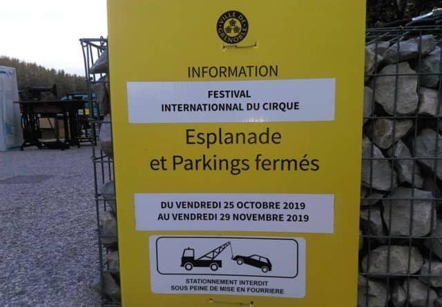 Avant de retrouver le Palais des sports en 2020, le Festival « internationnal » du cirque prend place sur le parking de l'Esplanade. © Florent Mathieu - Place Gre'net