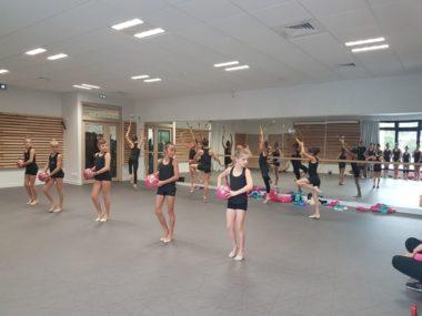 Groupe Pom Pom girls, dans la salle de danse du nouveau centre sportif Jean-Philippe Motte, samedi 12 octobre 2019 lors de l'inauguration du gymnase. © Séverine Cattiaux - Place Gre'net