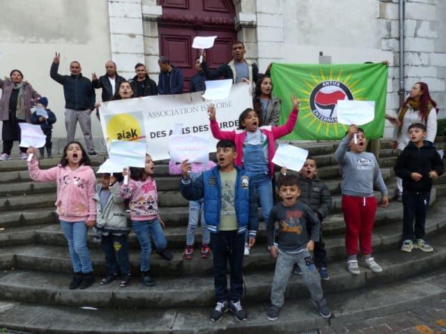 Manifestation de l'Association iséroise des amis des Kurdes © Florent Mathieu - Place Gre'net