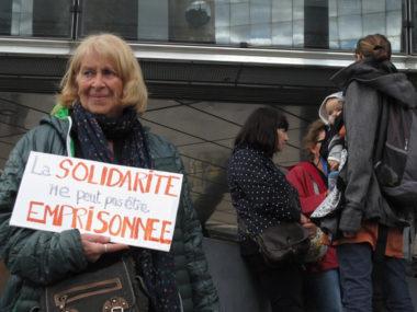 Mobilisation devant le tribunal d'instance en soutien au Briançonnais Kevin, accusé de délit de solidarité envers les migrants mercredi 2 octobre 2019 © Séverine Cattiaux - Place Gre'net
