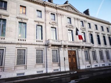 L'hôtel des troupes de montagne place de Verdun. © Joël Kermabon - Place Gre'net