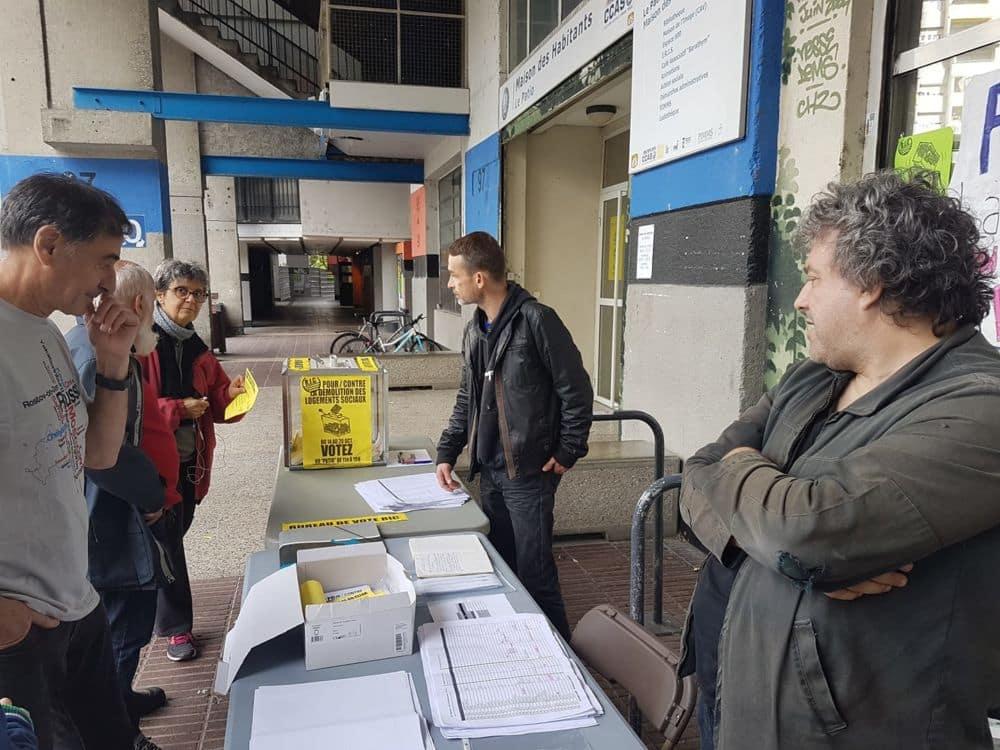 Vote pour le Référendum d'initiative citoyenne (RIC) de la Villeneuve © Séverine Cattiaux - Place Gre'net