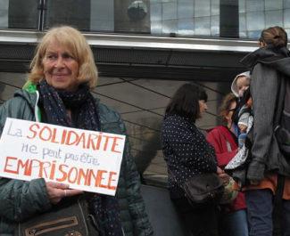 UNE Mobilisation devant le tribunal d'instance en soutien au Briançonnais Kevin, accusé de délit de solidarité envers les migrants mercredi 2 octobre 2019 © Séverine Cattiaux - Place Gre'net