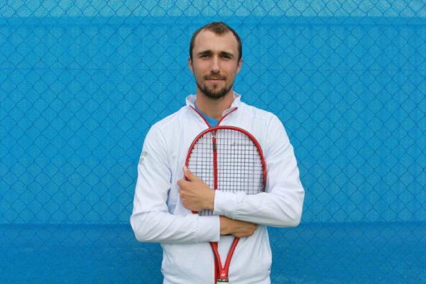 Numéro deux de l'équipe, Antoine Walch, qui attaque sa neuvième saison au Guc, a arrêté de jouer sur le circuit international pour passer son monitorat de tennis au club. © Guc Tennis