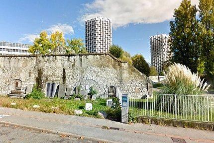 La poudrière Vauban devant la cité administrative Dode - © Google Maps
