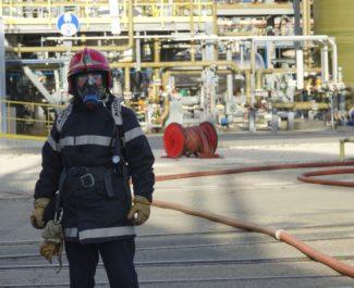 Au cours des exercices de sécurité, la compagnie de sapeurs-pompiers volontaires interne à l'entreprise est mobilisée, mais aussi des renforts extérieurs. © Raphaëlle Denis - Place Gre'net
