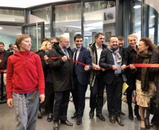 Personnalités officielles lors de l'inauguration de la la Maison de la création et de l'innovation, sur le campus universitaire. © Manon Heckmann - Placegrenet.fr