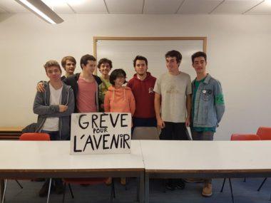 Quelques militants de Youth for climate, lors des assises de Grenoble, samedi 2 novembre 2019 © Séverine Cattiaux - Place Gre'net