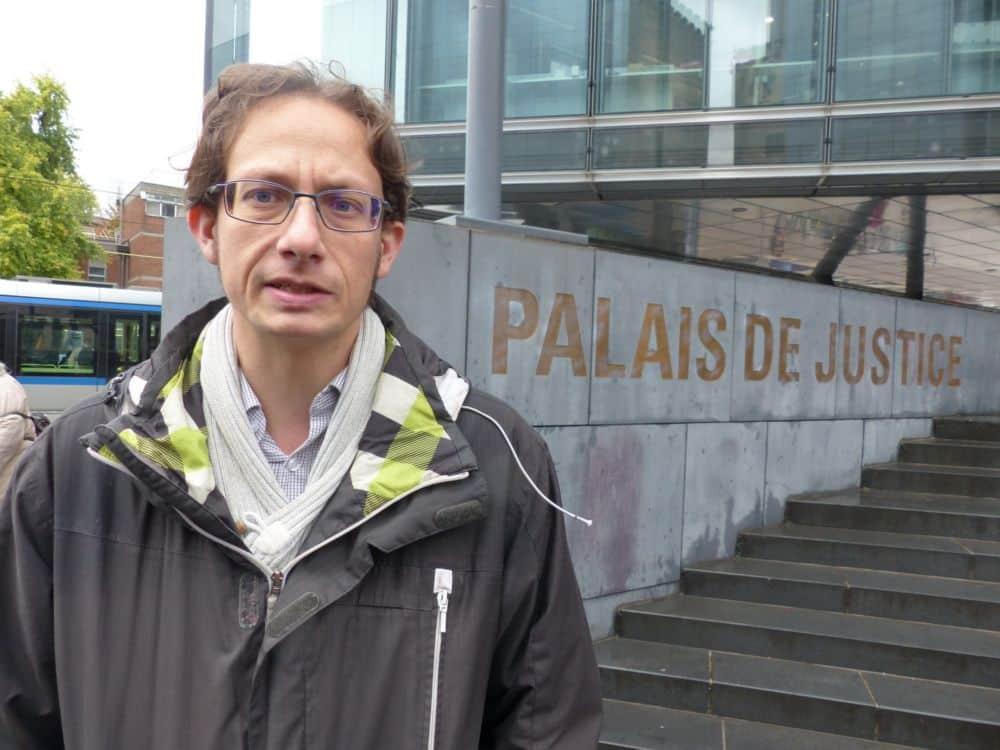 Jérémie Cicéron face au Palais de justice de Grenoble © Florent Mathieu - Place Gre'net