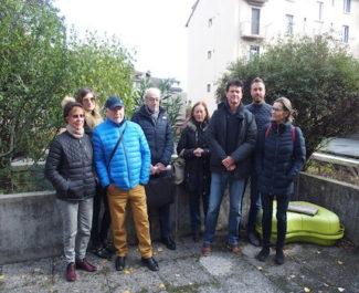 Ce mercredi 13 novembre, une dizaine de membres du collectif du 29 rue Jean Macé s'est réuni pour faire un point sur la situation. © Augustin Bordet - placegrenet.fr