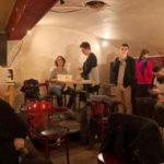 Lors du 1er vote au café le Jules Verne le 30 octobre. © Clarice Celli
