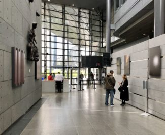 Hall du palais de justice de Grenoble. ©Manon Heckmann - Placegrenet.fr