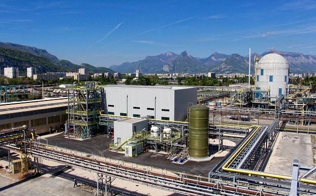 Sites Seveso : faut-il arrêter les activités non essentielles ? La plateforme chimique de Pont-de-Claix © Vencorex