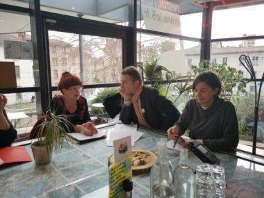 De gauche à droite, Gisèle Perez, Benoît Mollaret et Michelle Daran lors de la présentation de l'analyse des finances de la Ville et du budget 2020. © Joël Kermabon - Place Gre'net.