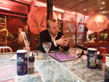 Matthieu Chamussy expose son analyse sur le budget 2020 et la situation financière de la Ville de Grenoble. © Joël Kermabon - Place Gre'net