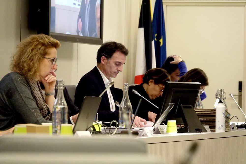 Éric Piolle lors de ce qui était censé être l'avant-dernier conseil municipal de son mandat, le 16 décembre 2019. © Raphaëlle Denis - Place Gre'net