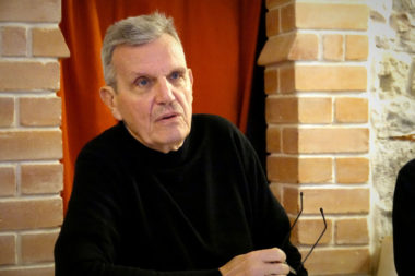"""Raymond Avrillier, surnommé """"le tombeur de Carignon"""", est connu pour avoir participé à la dénonciation des affaires Carignon. © Raphaëlle Denis - Place Gre'net"""