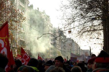 Une nouvelle mobilisation contre la réforme des retraites a réuni de nombreux manifestants de tous les secteurs ce mardi 10 décembre 2019 à Grenoble.La manifestation s'est déroulée sans heurts à Grenoble. © Raphaëlle Denis - Place Gre'net