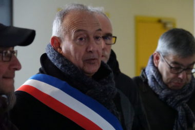 Le maire de Fontaine Jean-Paul Trovero était présent pour montrer son soutien. © Raphaëlle Denis - Place Gre'net