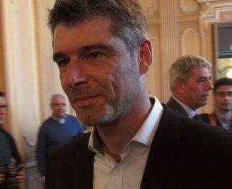Le sénateur Guillaume Gontard a saisi le préfet de l'Isère pour lui demander de suspendre les activités non indispensables des entreprises classées Seveso.