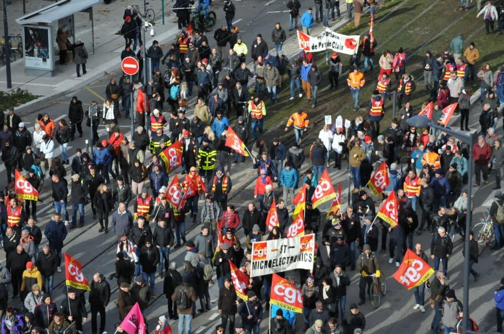 Manifestation contre la réformes des retraites à Grenoble le 10 décembre 2019 ©Manon Heckmann - Place Gre'net